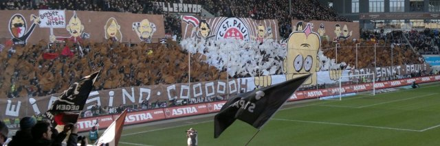 USP Choreo beim Spiel FC St.Pauli gegen Eintracht Braunschweig