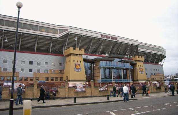 Die Haupttribüne des Boleyn Ground