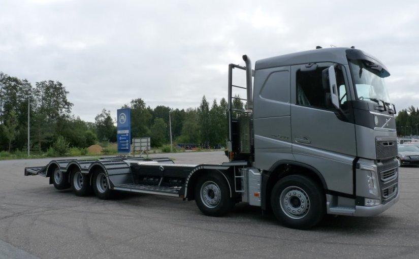 Neufahrzeugauslieferung Volvo FH 10×4