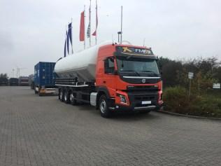 Heitling-Fahrzeugbau---neufahrzeugauslieferung-volvo-fmx-2