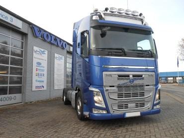 Hans-Hermann-Hinz-Volvo-FH500-4x2-1