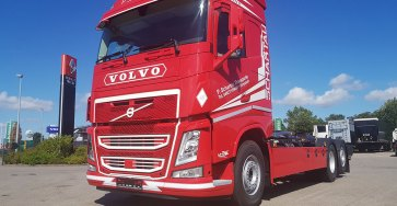 2018-07-20-p-schartau-transporte-volvo-fh-haken-1