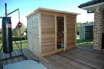 Ukko 2.5 x 2.0m Cedar Log Sauna