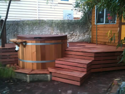 Ukko Q-series Cedar Hot Tub