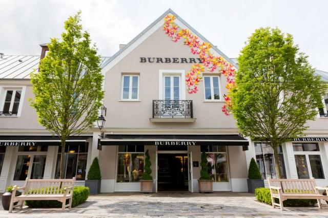 另一當紅店舖,就是Burberry了。(Shutterstock)