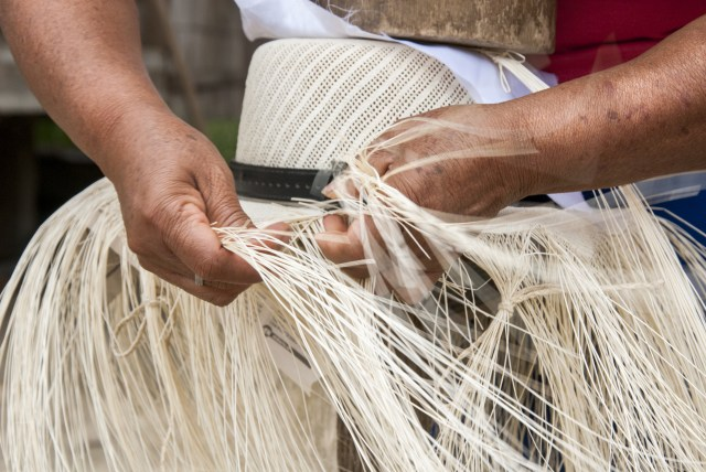 straw hat weaving