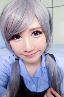 grey wig