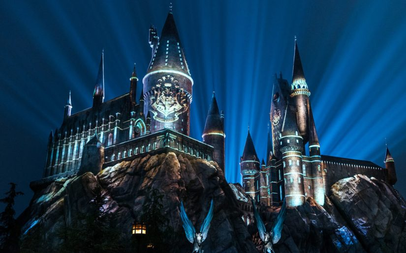 Your Clients can Experience The Nighttime Lights at Hogwarts Castle in The Wizarding World of Harry Potter