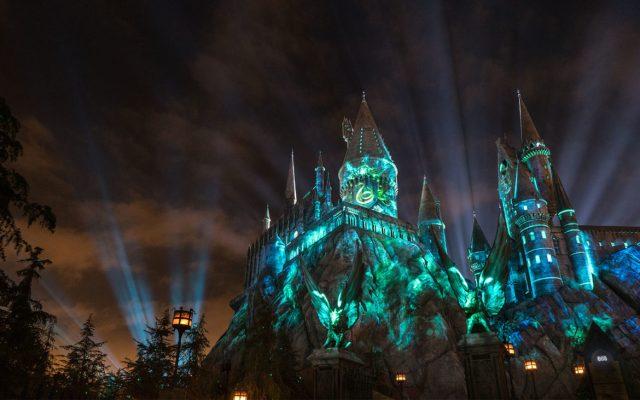 The Nighttime Lights at Hogwarts Castle - Slytherin
