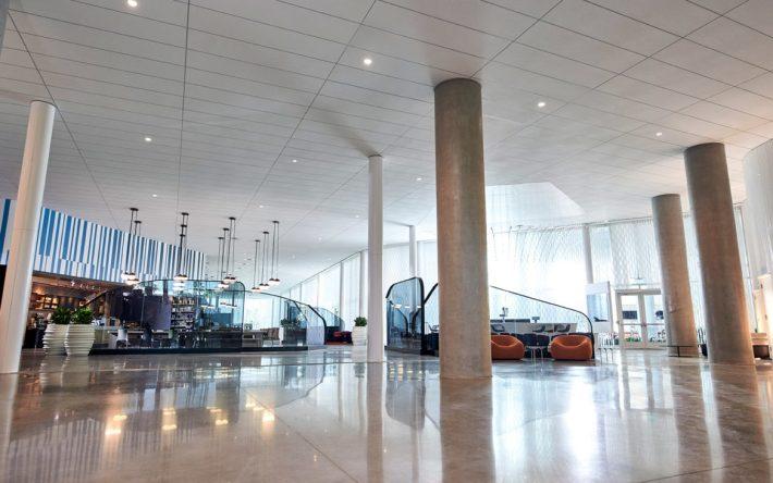 Universal's Aventura Hotel - Lobby