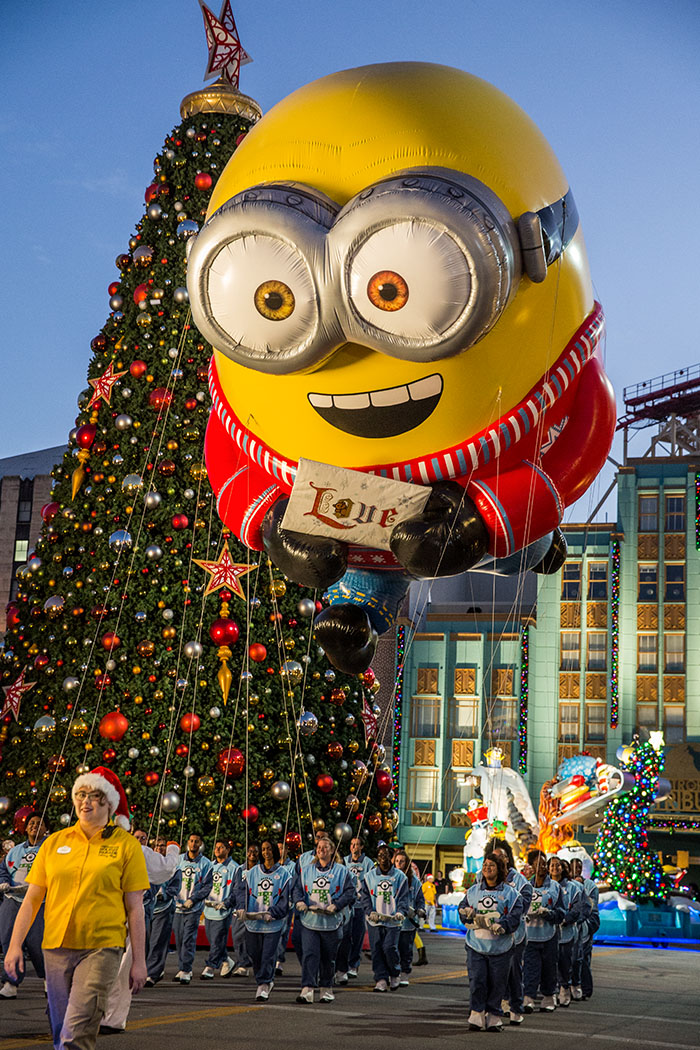 Universal's Holiday Parade featuring Macy's - Despicable Me Balloon