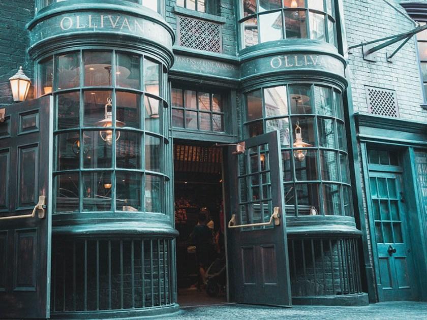 Ollivanders-in-The-Wizarding-World-of-Harry-Potter