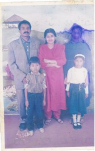 unni babu's family photo, indian family photo