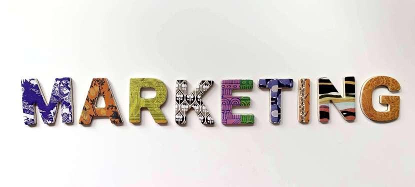 8 resurse de marketing ca să înțelegi marketing-ul online și să îl folosești cu succes