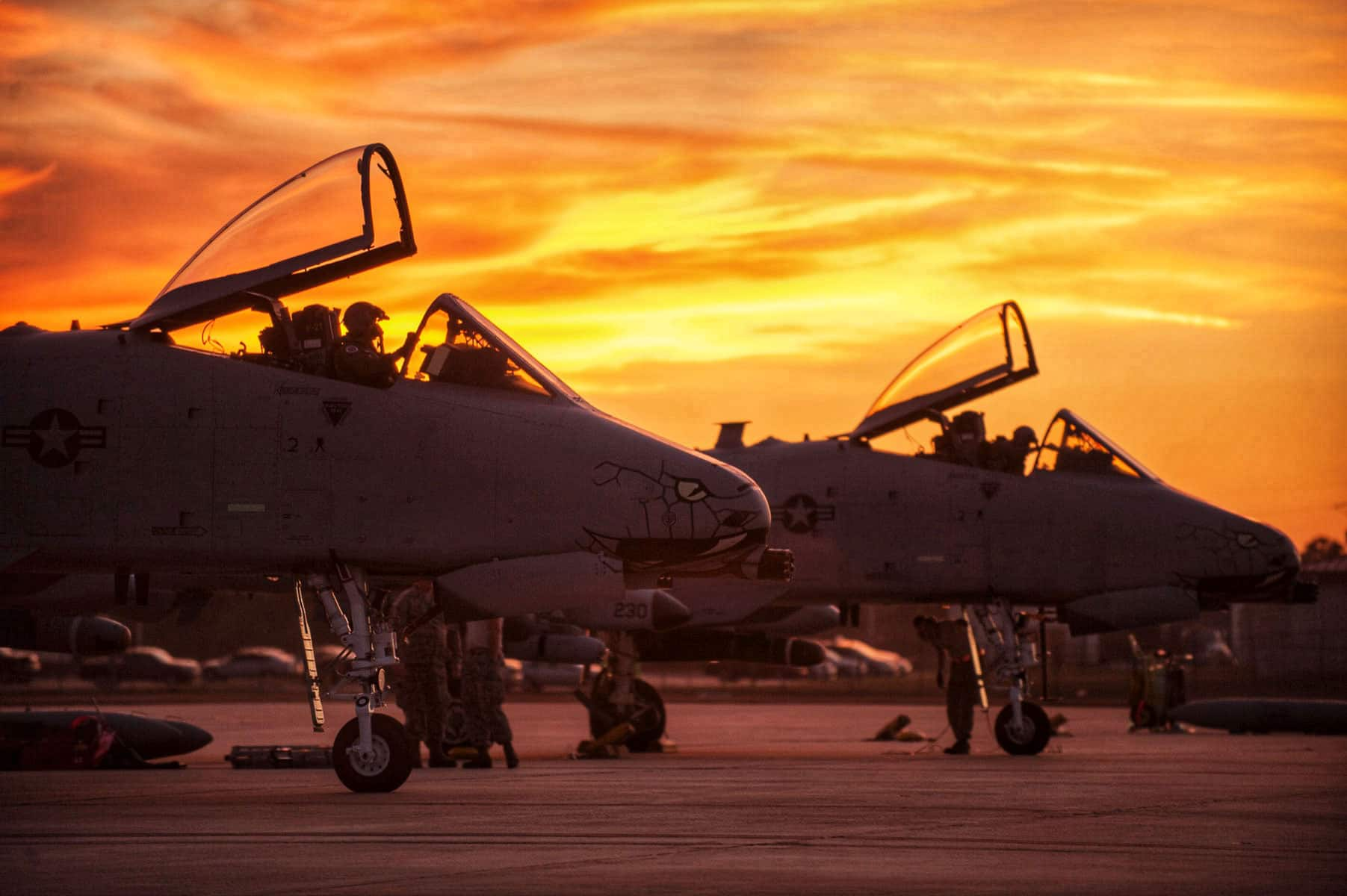 A10 Warthog pilots from the 163rd Fighter Squadron, and Aircraft Maintenance Crew Chiefs from the 122nd Fighter Wing, Fort Wayne, Indiana, prepare for takeoff during Operation Guardian Blitz, Jan 23, 2018, at MacDill Air Force Base, Florida.