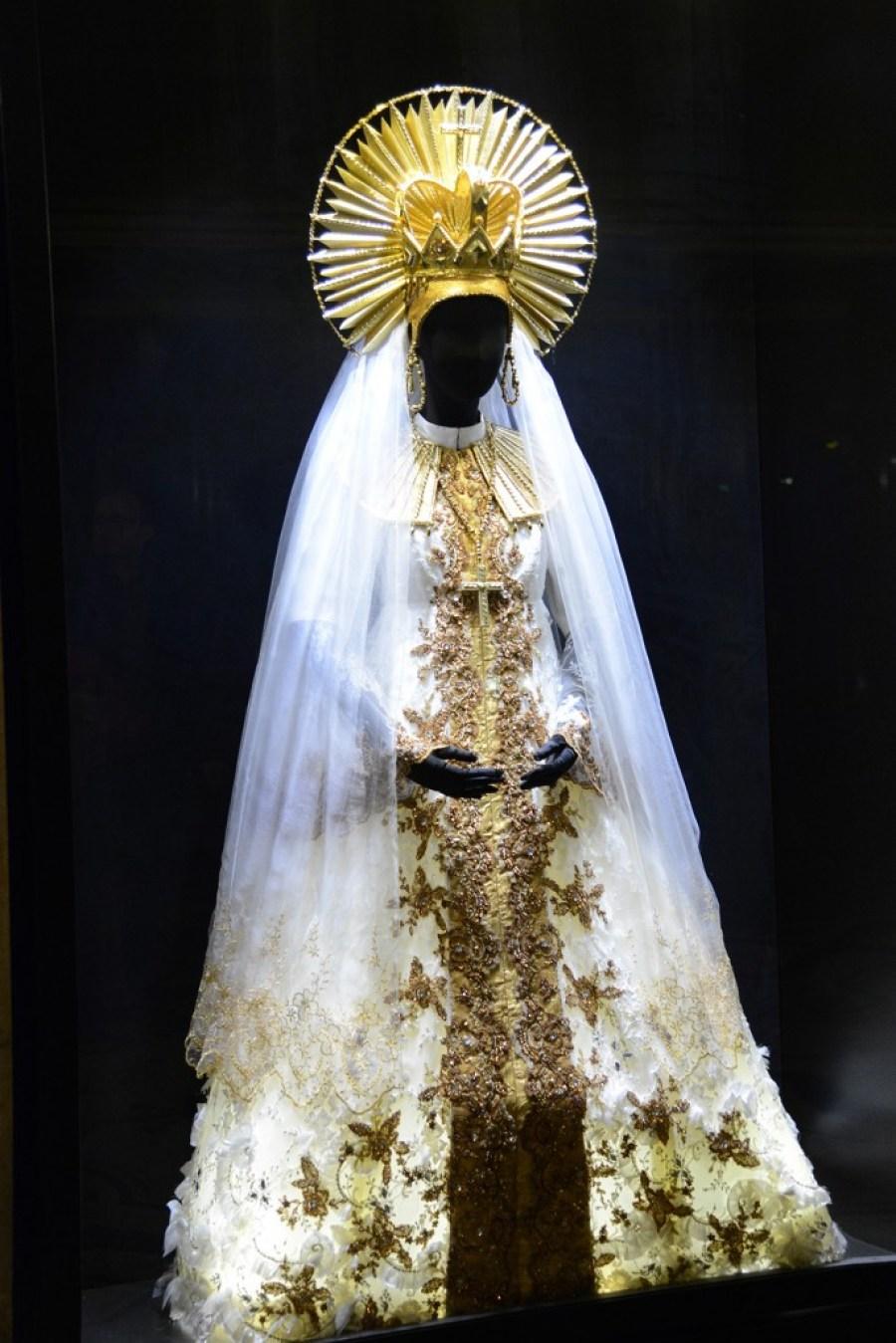 opera-costume