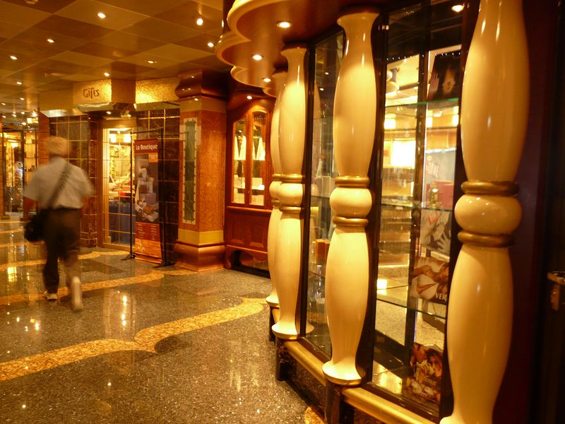 Tiendas Costa Magica