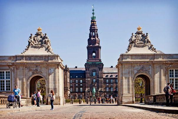 Entrada al palacio de Christianborg