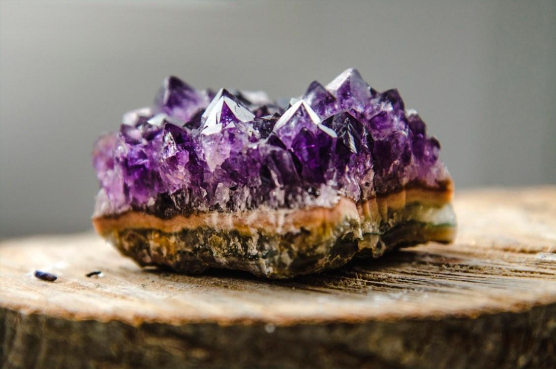 Limpieza y carga energética de piedras, minerales y cristales