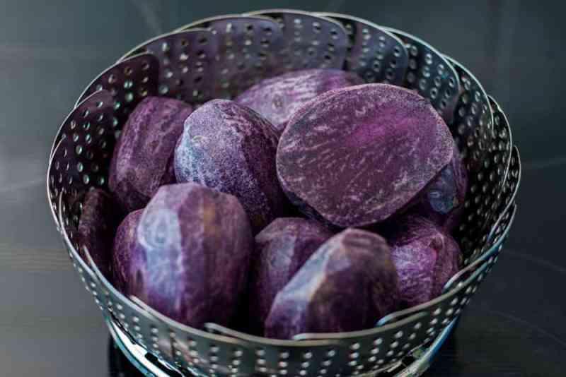 Lila Kartoffel-püree