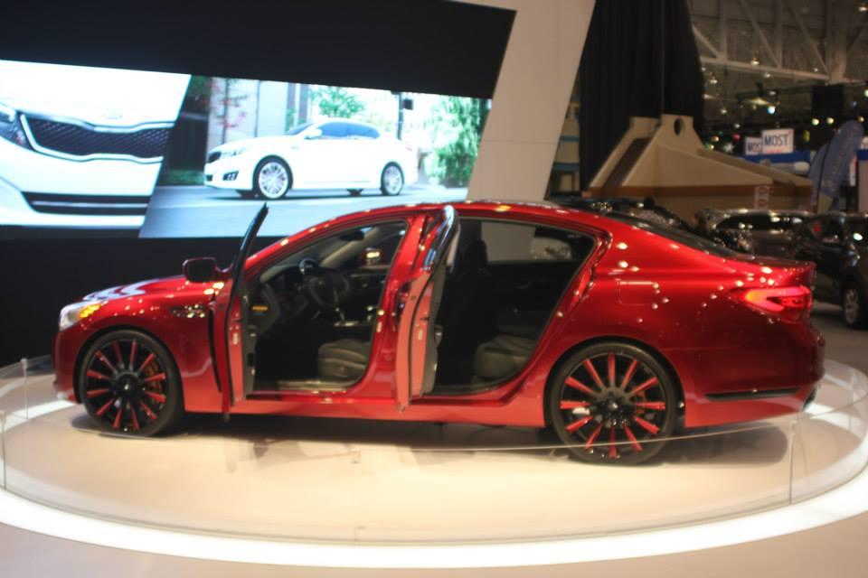 LeBron James Is Sending To Auction His Kia K900 King James
