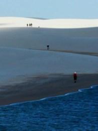 Trekking nos Lençóis Maranhenses. Foto: Jota Marincek