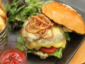 Lunch-deals-venuerific-blog-cassis-kitchen-burger