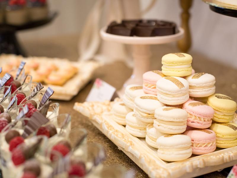 christmas-lunch-venuerific-blog-poster-meet-santa-desserts
