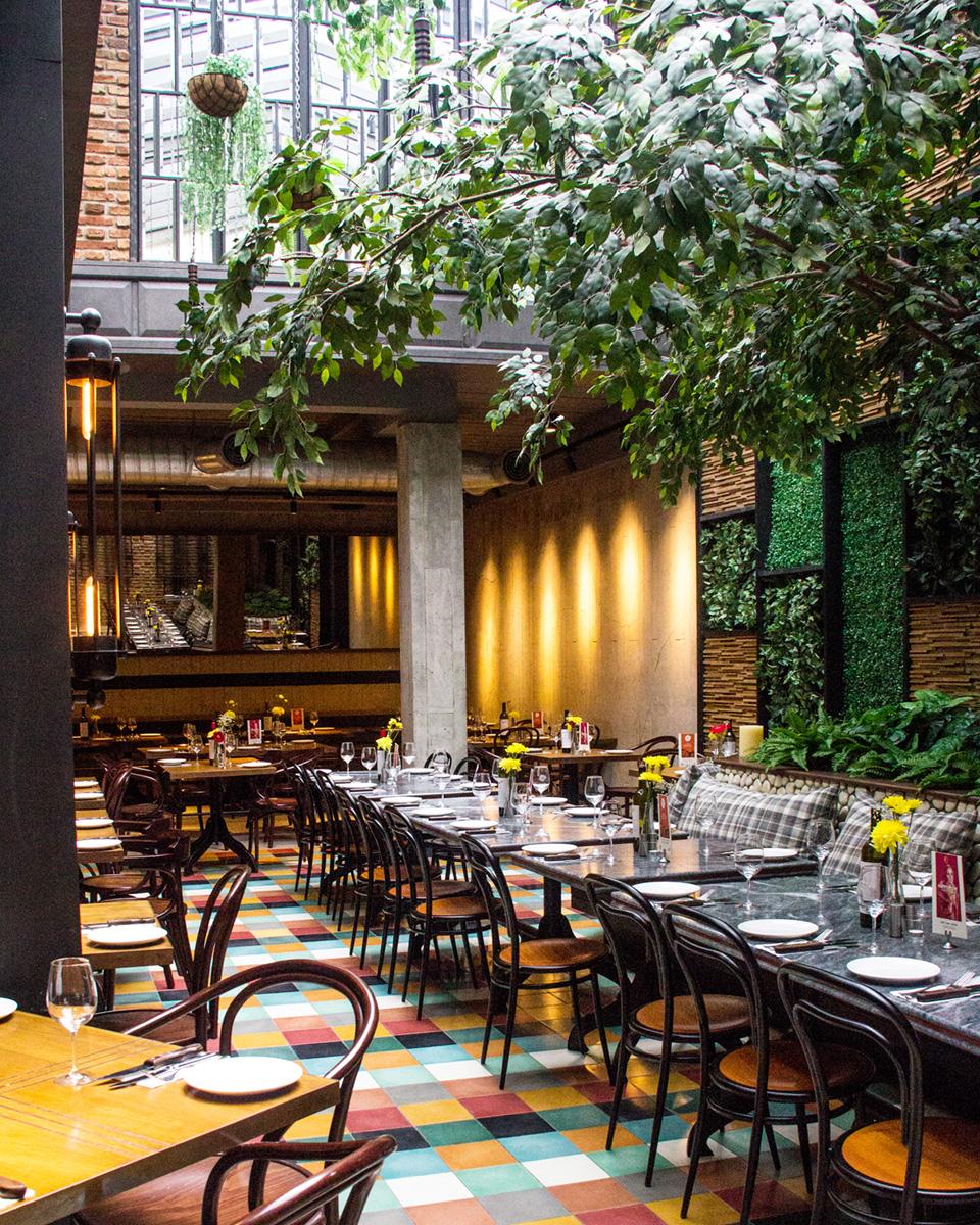 Hurricane's-grill-christmas-promotion-venuerific-blog-restaurant