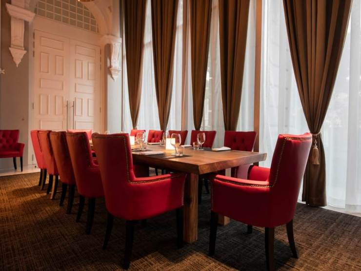 Grand and expensive restaurants to impress your clients
