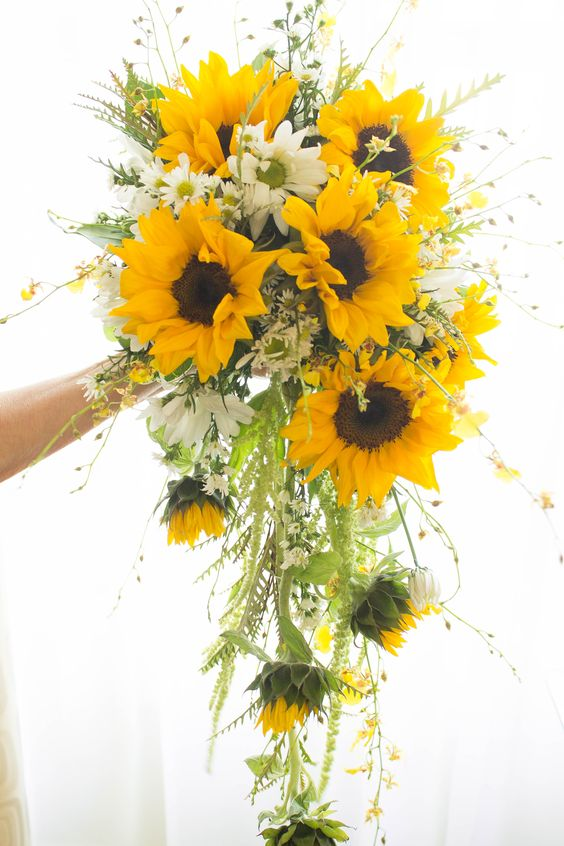 Perfect-wedding-flower-venuerific-blog-little-miss-sunshine-sunflowers