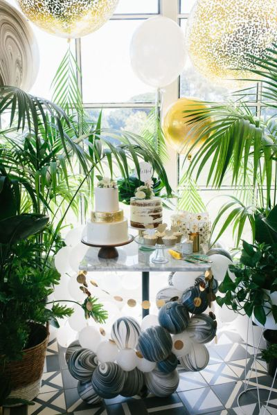 Tropical baby shower decoration for indoor party