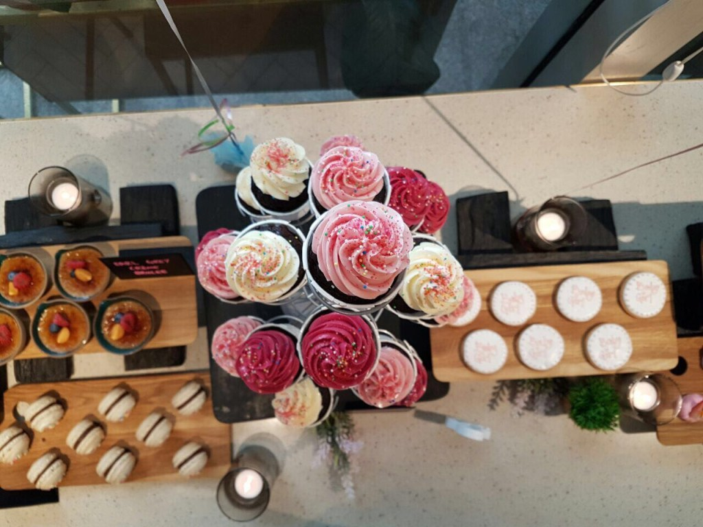 dessert-table-for-1st-birthday-inspiration-idea-venuerific-cute-cake