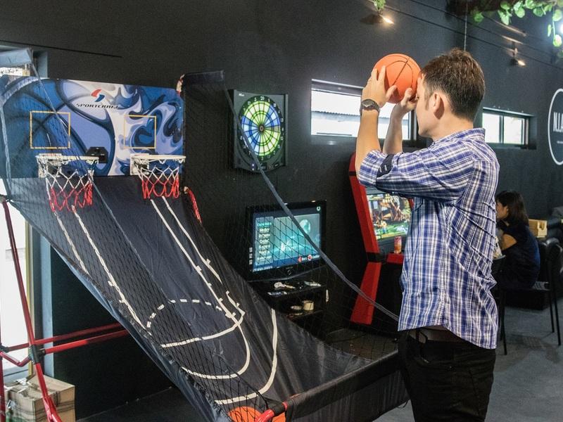 21st-birthday-bash-venuerific-blog-arcade-games