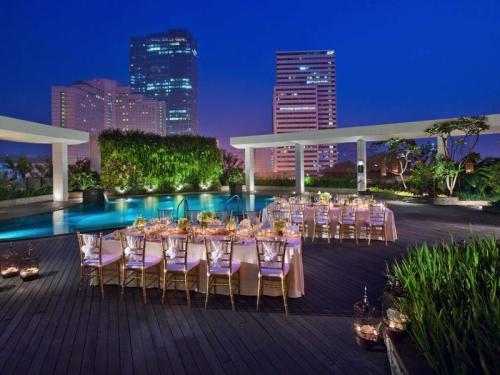 Poolside-at-mandarin-oriental-tempat-wedding-terbagus-di-jakarta