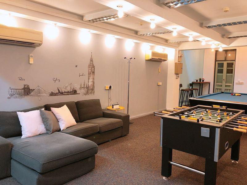 unique-venue-singapore-venuerific-blog-loft-cloud9-living-room