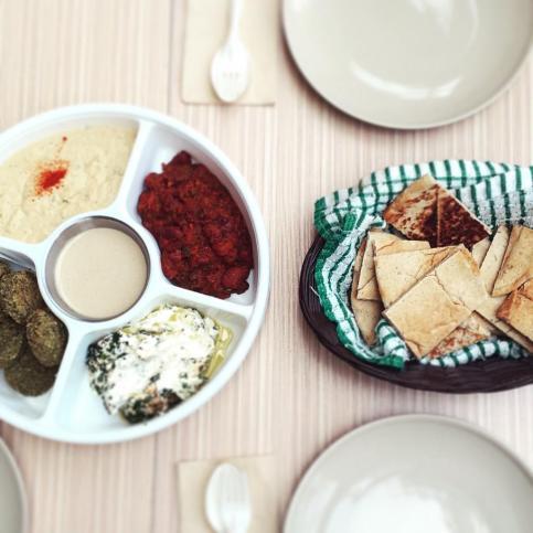Hotspots-for-vegetarians-venuerific-singapore-fill-a-pita-fava-bean