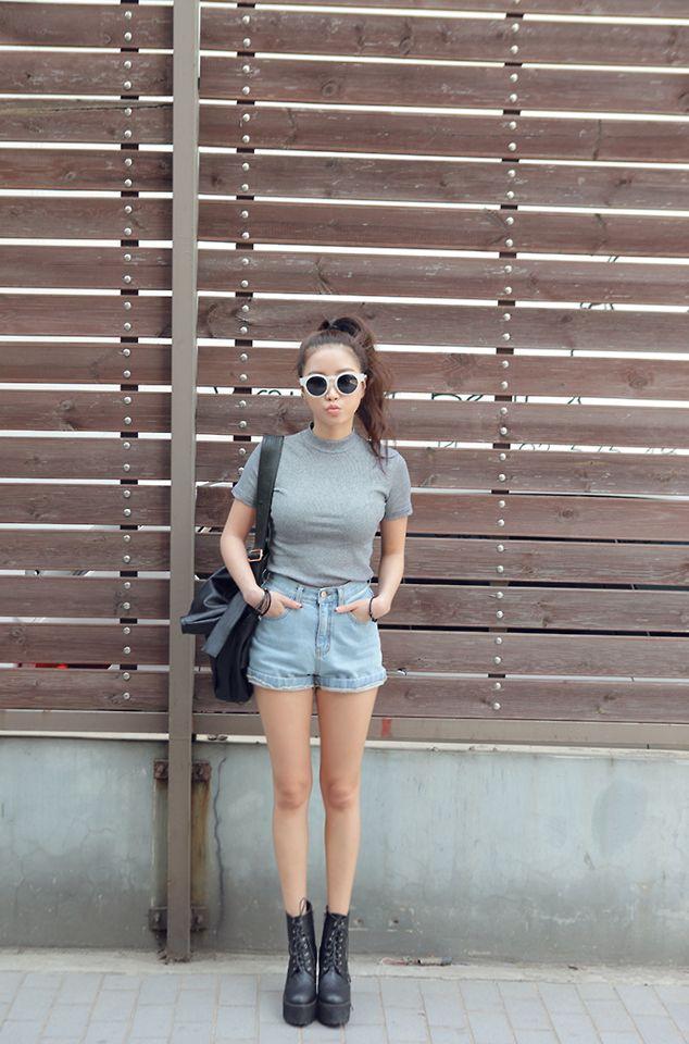 Dress-code-venuerific-blog-super-casual-ladies-sleeved