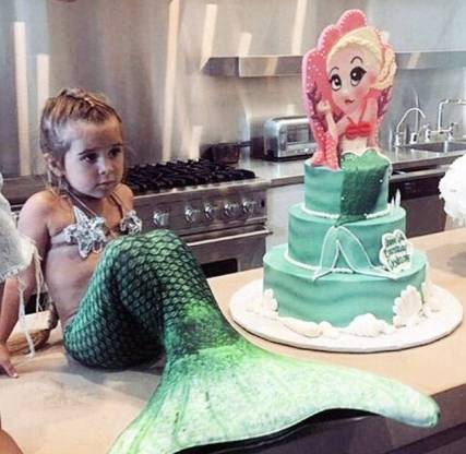 kids celebrations-venuerific-blog-birthday-mermaid-cake