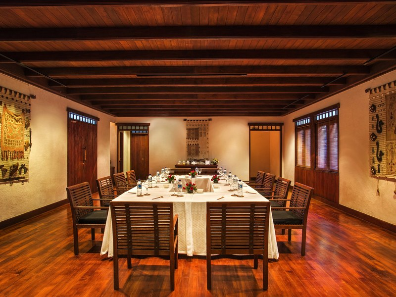 team-bonding-venuerific-blog-lombok-indonesia-book-private-dining-room