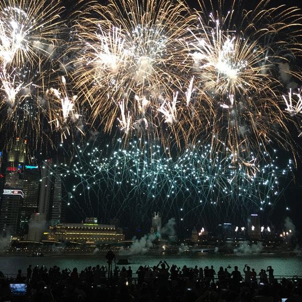 NDP-fireworks-venuerific-blog-event-plaza-singapore-skyline