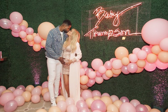 kids celebrations-venuerific-blog-babyshower-pink-khloe-tristan