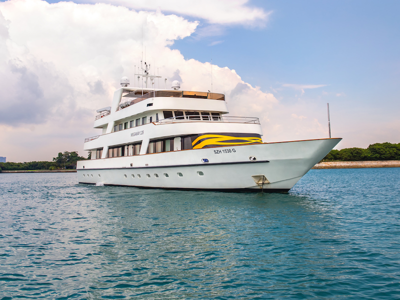 Superyacht Megaway 128 for A Pirate Themed Party in Venuerific Singapore