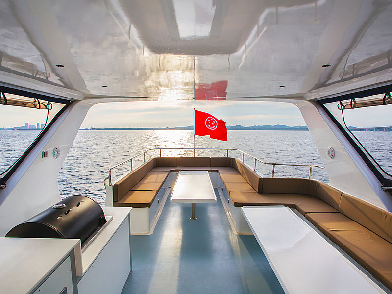 luxury yacht for private party singapore