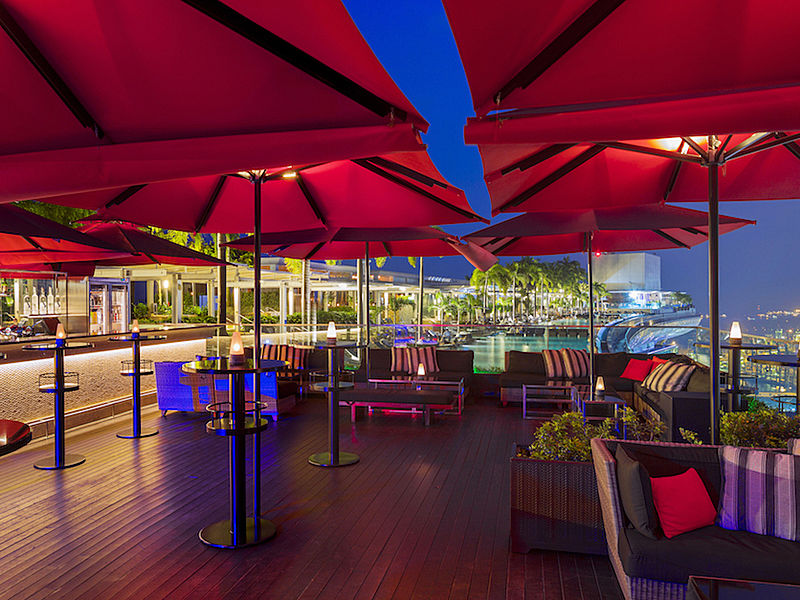 360-degree views from popular rooftop bar ce la vi singapore