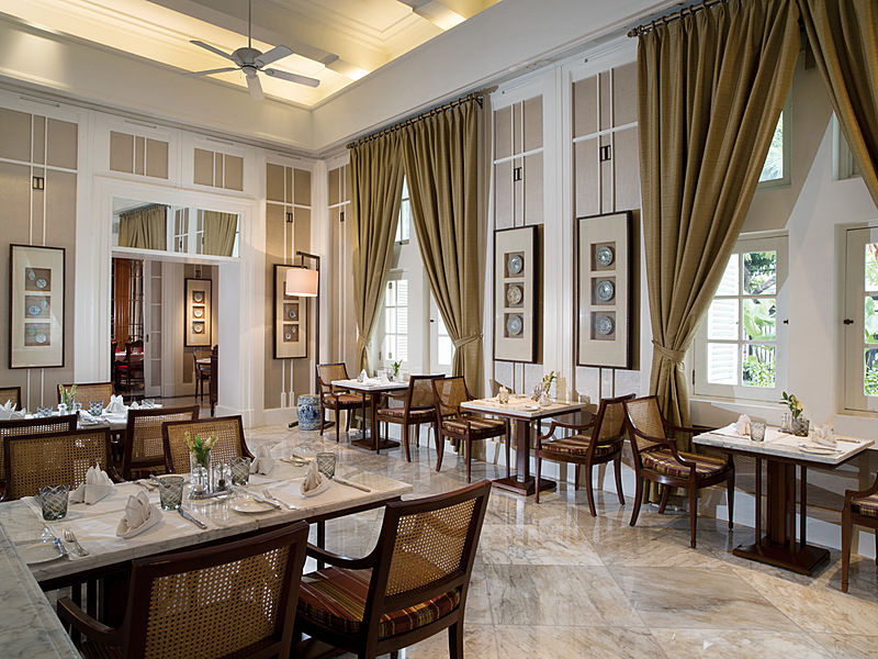 Elegant restaurant by L'Avenue Restaurant jakarta