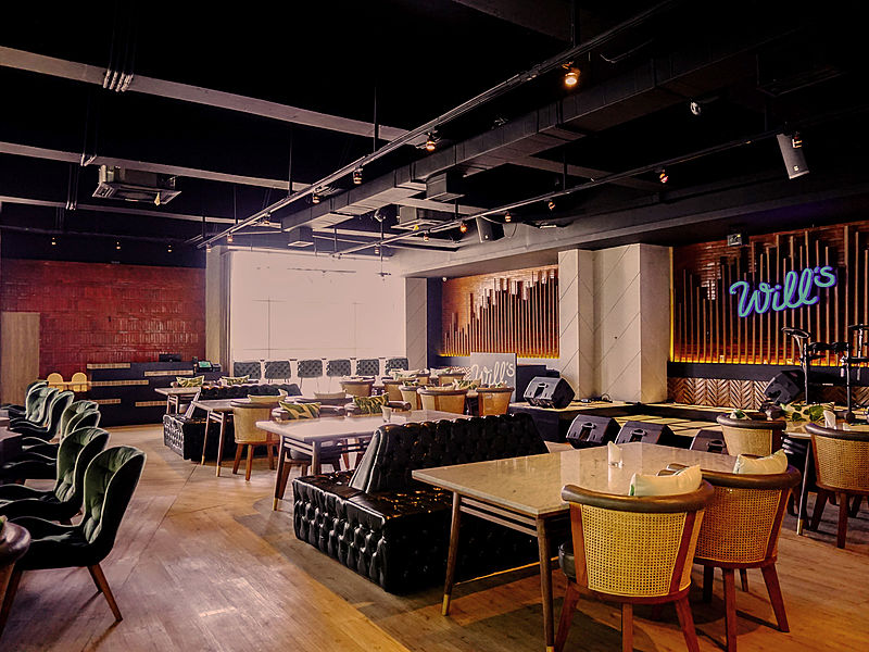 Restaurant with entertainment and live music by Will's jakarta