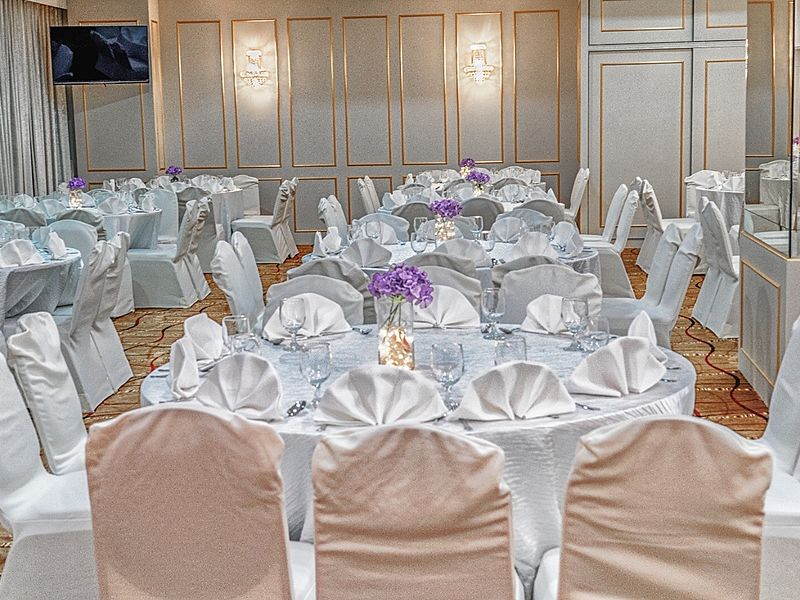round table setting for company dinner and dance singapore