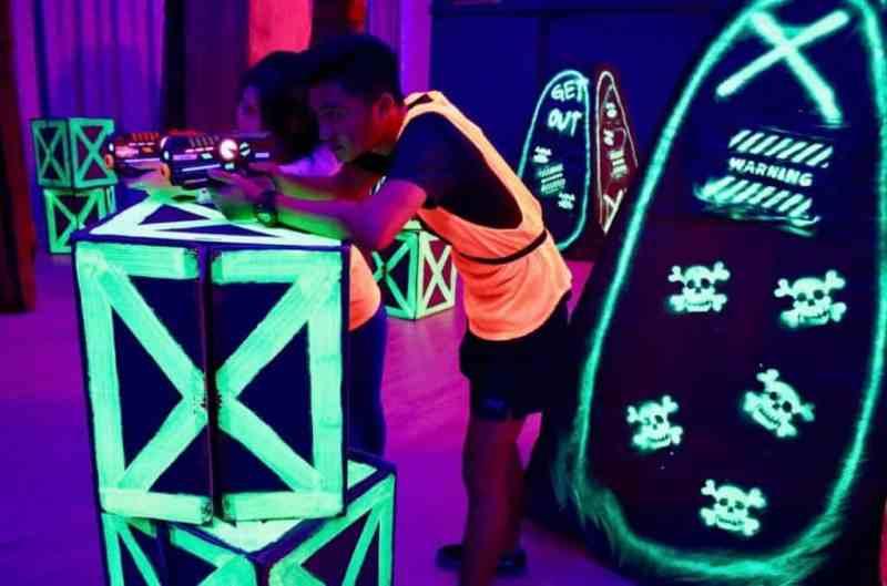 Neon laser tag activity