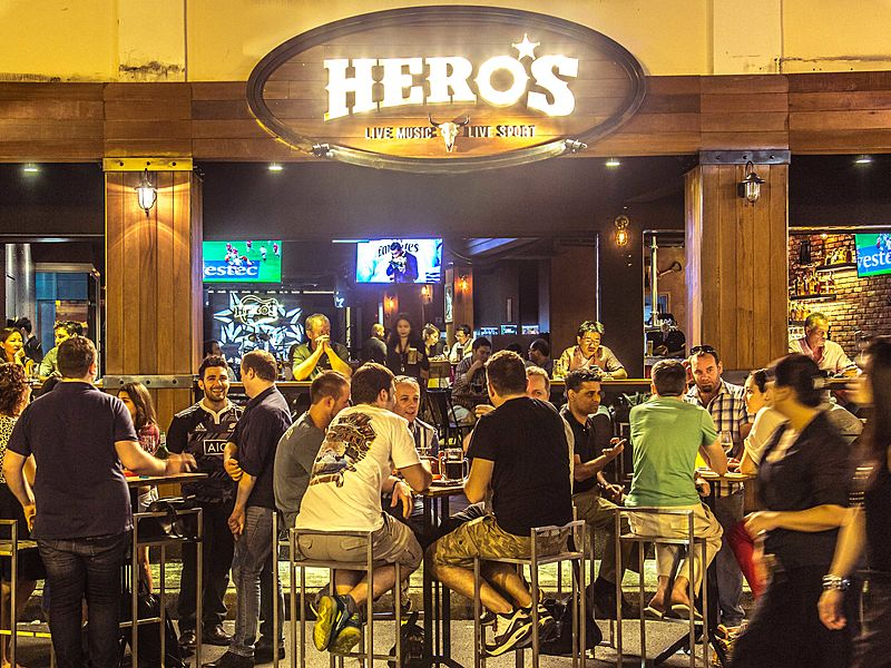 great chill vibes at Hero's